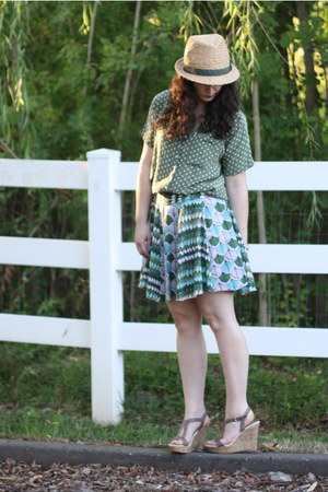olive green Megan Nielsen skirt - forest green vintage blouse