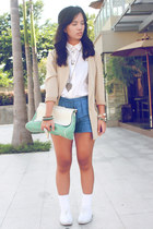 beige vintage blazer - blue Tomato shorts - white sleeveless Levis top