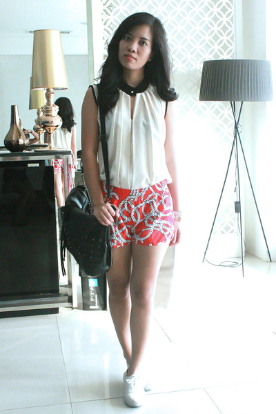 ivory Posh Wardrobe top - red Tops shorts