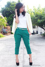 White-calliope-top-green-seventeen-pants-black-chick-flick-heels