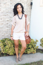 light brown studded Mi Lujuria boots - brown Mango bag - white Space shorts
