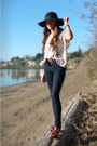Navy-bdg-jeans-dark-brown-zara-clogs-cream-silence-noise-blouse-black-fo