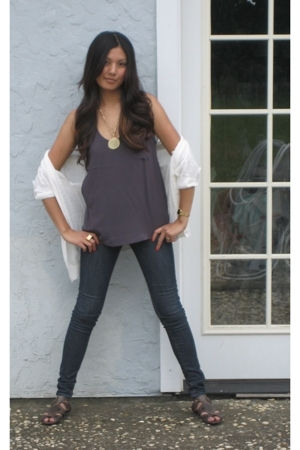 gray Forever21 top - blue BDG jeans - brown Rouge shoes