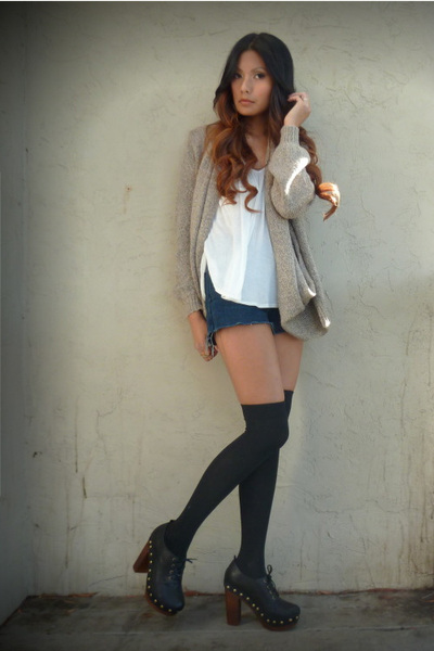 blue Levis shorts - cream Forever21 top - black Forever 21 socks