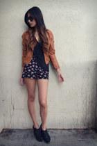 tawny Target jacket - black yaya shorts
