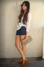 Beige-h-m-cardigan-blue-siwy-shorts-white-dolce-vita-top-beige-vintage-guc