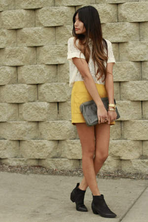 gold arc&co shorts - cream Forever21 blouse