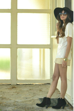 black asos boots - beige arc&amp;co shorts - cream Generra top