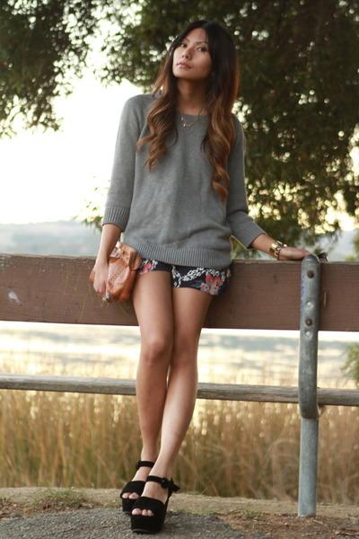heather gray Zara sweater - navy Yumi Kim romper - black Kimchi Blue sandals
