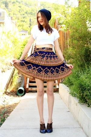 brown le bunny bleu flats - navy edme & esyllte skirt - white Piko t-shirt