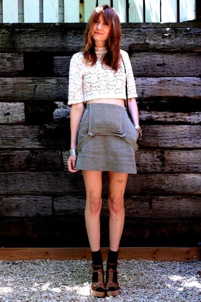 white vintage blouse - forest green vintage jumper - tawny Aldo heels