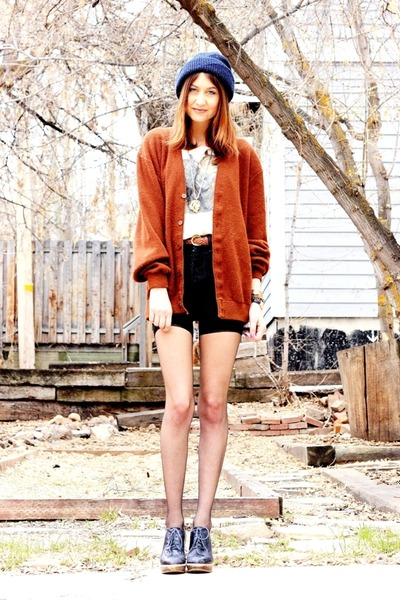 tawny vintage sweater - black Hanes tights - black vintage shorts