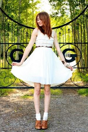 tawny seychelles heels - cream Courtesy of Romwe dress