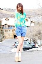 chartreuse vintage blouse - sky blue vintage shorts - neutral Aldo heels
