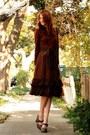 Dark-brown-vintage-dress-dark-brown-frye-shoes