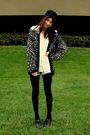 Black-goodwill-sweater