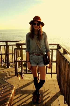 orange vintage hat - blue Stole from my Boyfriend shirt - blue Levi 501s shorts