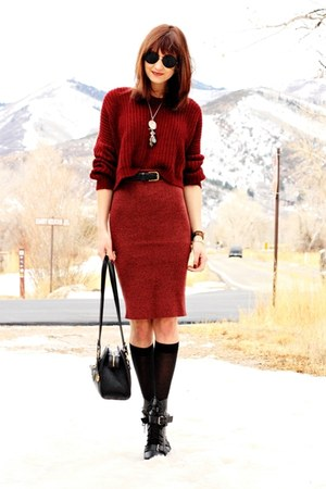 black Dolce Vida boots - brick red Uniq sweater
