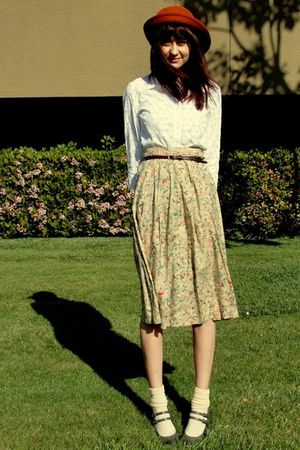 beige Goodwill skirt