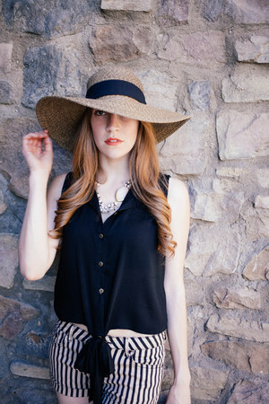 dianes beachwear hat - Angl shirt - q fashion shorts