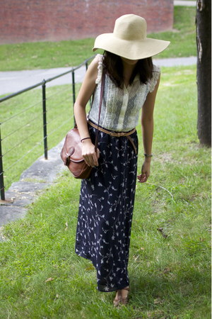 navy maxi thrifted skirt - eggshell J Crew hat