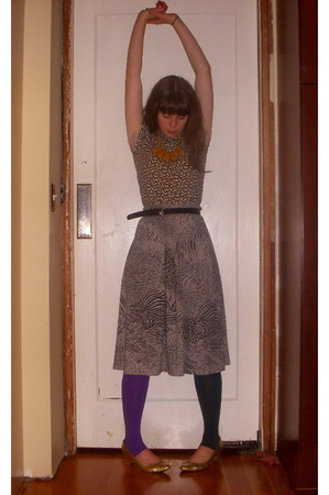 thrifted t-shirt - vintage skirt - American Apparel tights - thrifted belt -