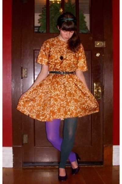 vintage dress - thrifted belt - American Apparel tights - thrifted shoes