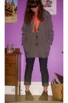 thrifted shoes - forver 21 jeans - thrifted coat - forever 21 blouse