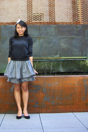 gray the boyfriends sweater - black Guess shoes - gray H&M skirt