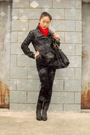 Red-h-m-scarf-black-zara-jacket-black-h-m-jeans-gray-shoes
