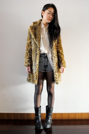 brown leopard coat - vintage shirt