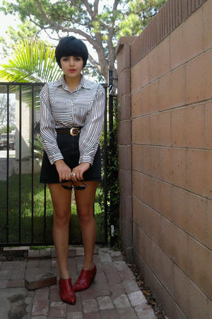 black vintage blouse - black vintage shorts - red vintage shoes - black vintage