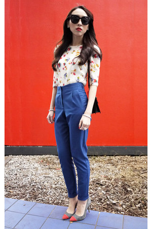 cream floral print Zara blouse - blue tapered Topshop pants