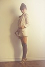 Pink-zara-blazer-gray-urban-outfitters-dress-beige-charlotte-hosten-necklace