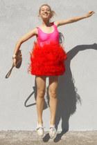 red ostrich feather Zara skirt - brown vintage purse