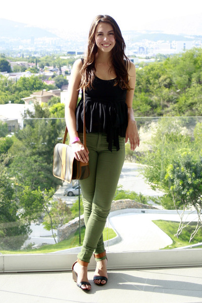 tawny vintage Fendi bag - black Forever 21 blouse - tawny Steve Madden sandals