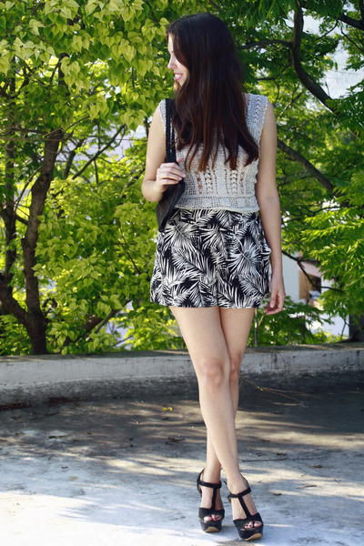 silver vintage shirt - dark gray H&M shorts - black PERUGIA heels