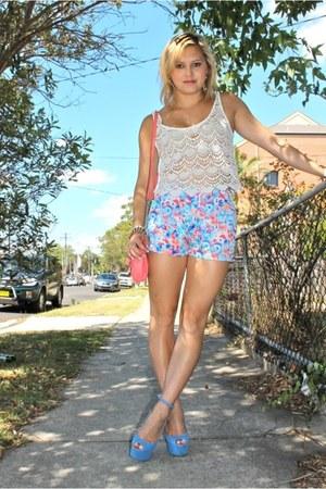 sky blue Princess Polly shorts - bubble gum Miss Shop bag