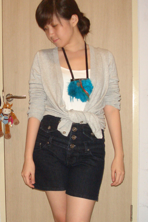 Zara - shirt - jeans - accessories