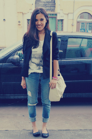 black blazer - navy jeans - eggshell bag - black flats