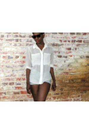 H&M shirt - Dolce Vita shoes - H&M shorts - Ray Ban sunglasses