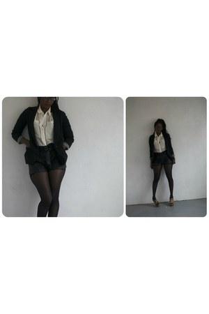 button down H&M shirt - Double zero blazer - faux leather H&M shorts