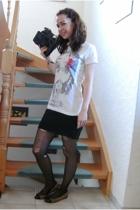 Secondhand shop skirt - H&M tights - Deichmann shoes - Tally Weijl accessories -