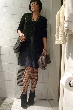 SANDRO dress - Uniqlo sweater - H&M tights - we who see shoes - Hayden Harnett p