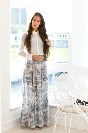 white BLANCO blouse - periwinkle Zara skirt