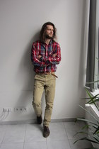 ruby red Mustang shirt - brown Pull & Bear shoes - beige Pull & Bear jeans