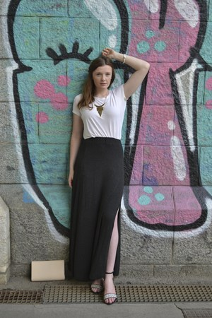 charcoal gray maxi skirt brandy melville skirt - white Vero Moda shirt