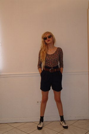 Steve Madden shoes - back to basics shorts - Zara socks - vintage sunglasses - v