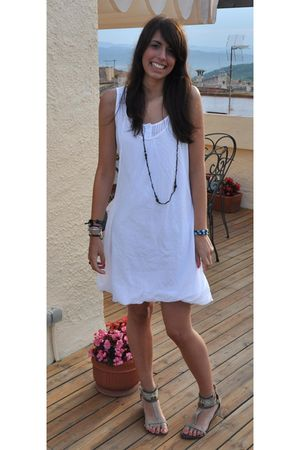 white little shop dress - green vives shoes - brown hippie stand necklace