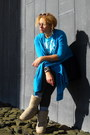 Sky-blue-juicy-t-shirt-turquoise-blue-cardigan